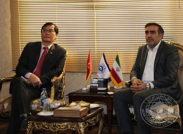 گسترش تعاملات اقتصادی در دیدار رئیس اتاق تعاون ایران و سفیر ویتنام بررسی شد