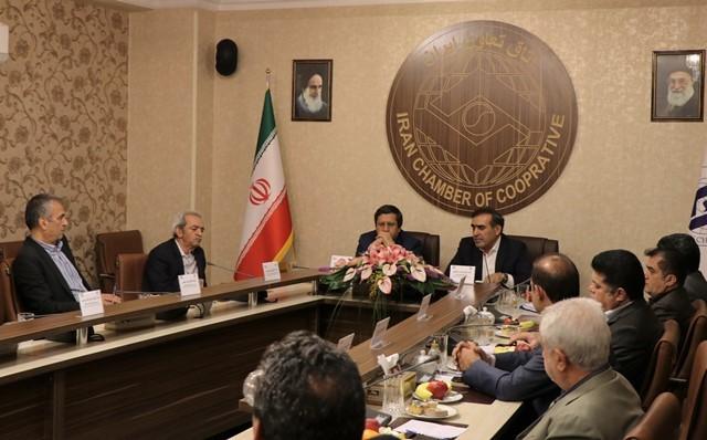 نشست روسا و مدیران سه اتاق با رئیس کل بانک مرکزی+ عکس