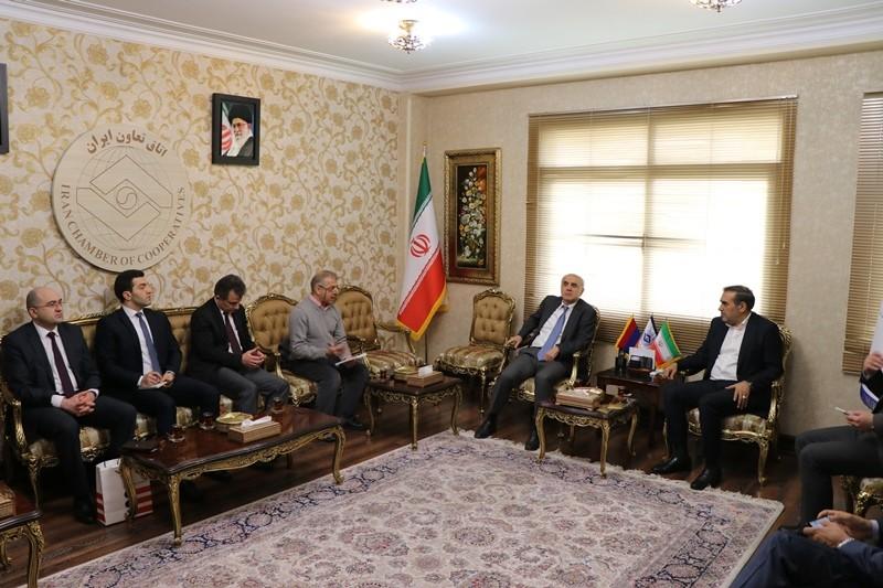 بررسی گسترش تعاملات تجاری ایران و ارمنستان در اتاق تعاون